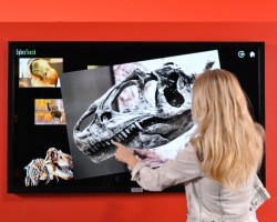 CyberTouch представляет линейку 4K дисплеев с поддержкой MultiTouch