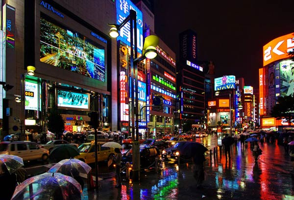 Shinjuku_at_Night_Tokyo_J