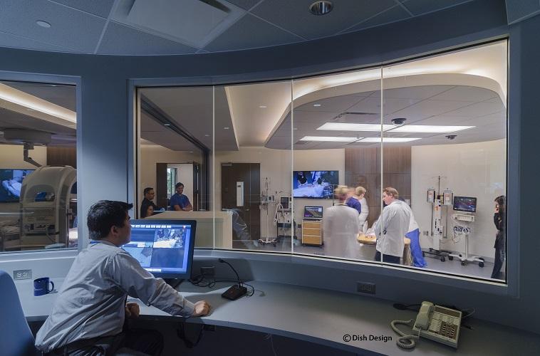 В Центре углубленной клинической симуляции студенты могут работать с анатомическими симуляторами. Таким образом, к тому моменту, когда они приступят к операциям на людях, они в совершенстве овладеют всеми необходимыми техниками для своей работы. Фото принадлежит Университету Толедо.